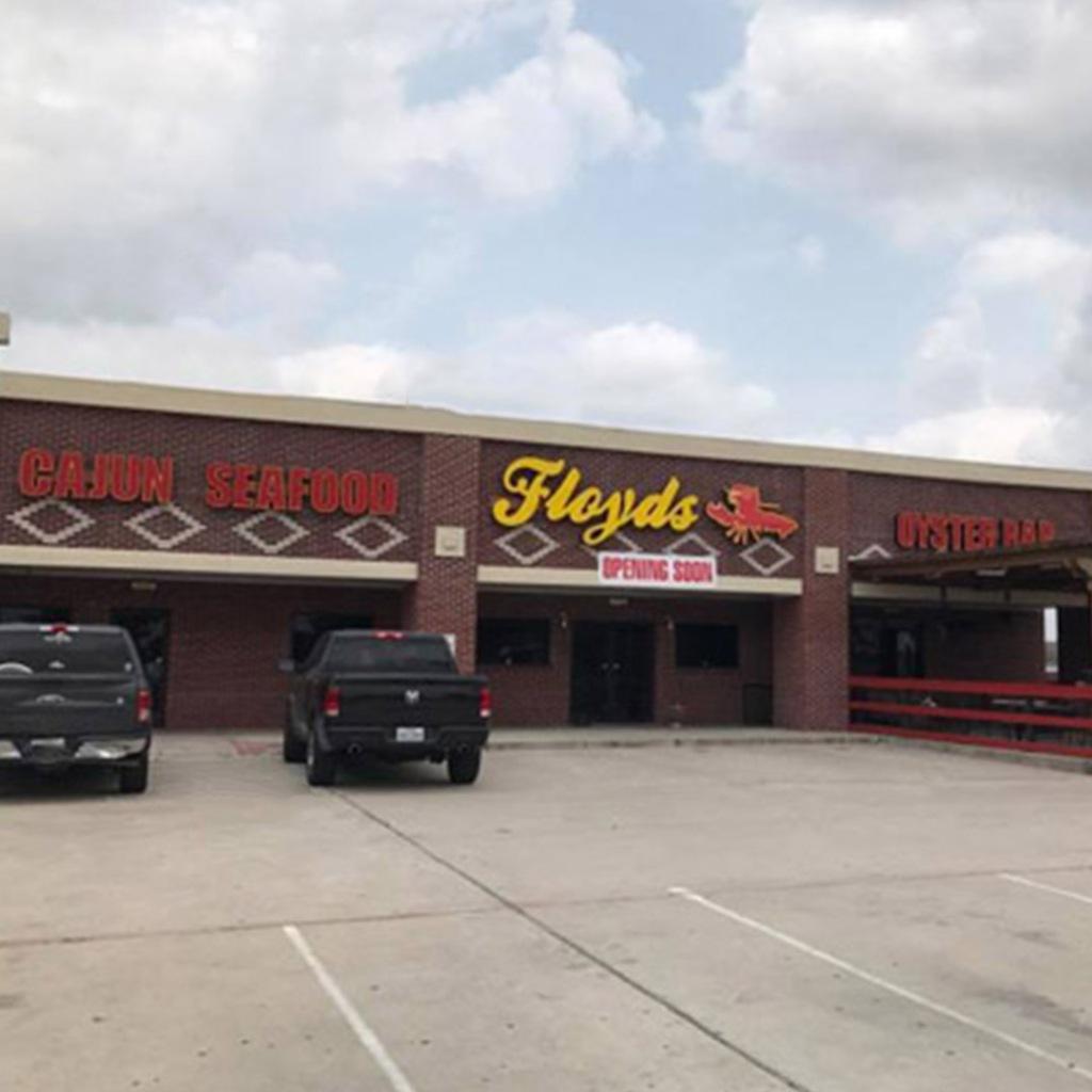 Floyds Seafood restaurant in Cypress Texas serves cajun food