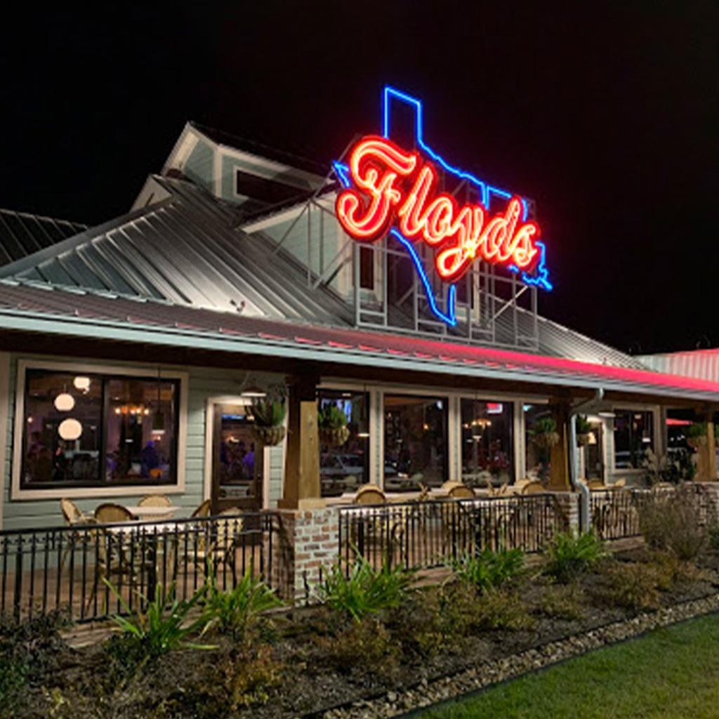 Floyds Seafood restaurant in Mont Belvieu Texas serves cajun food