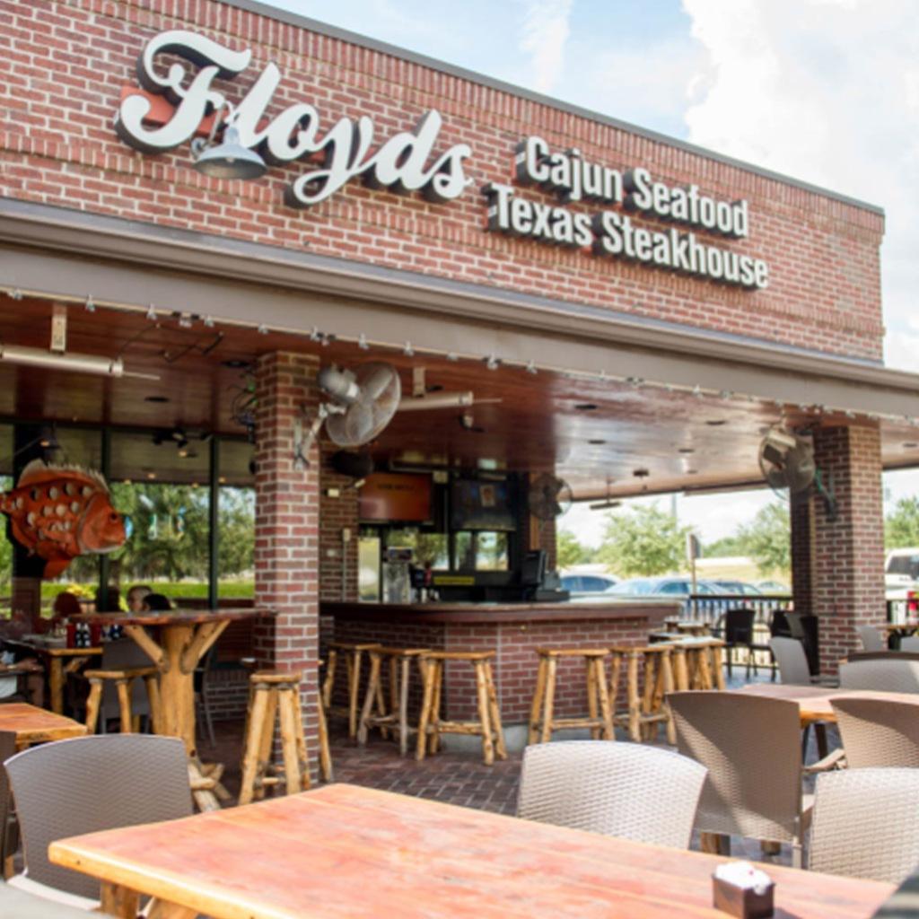 Floyds Seafood restaurant in Sugar Land Texas serves cajun food