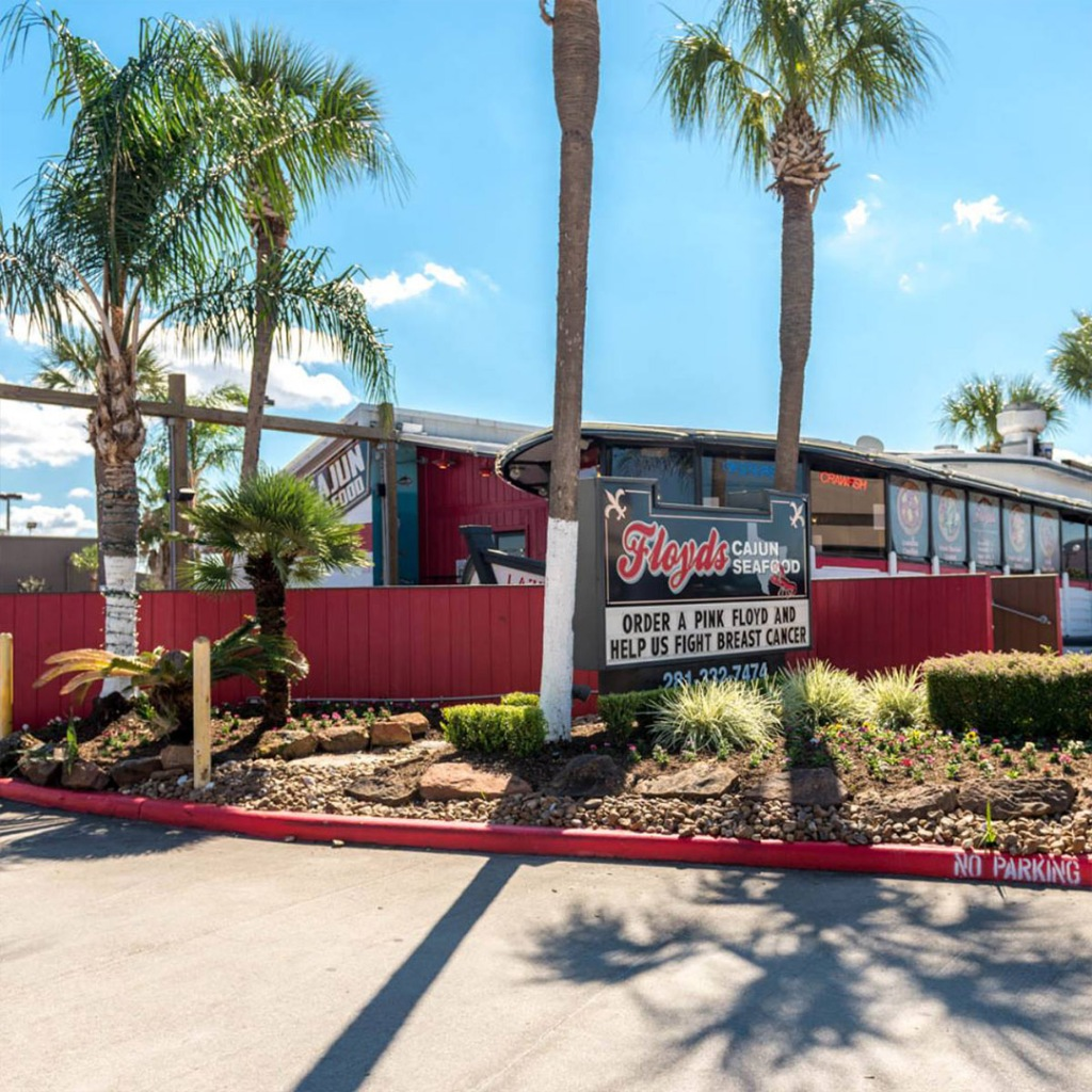 Floyds Seafood restaurant in Webster Texas serves cajun food